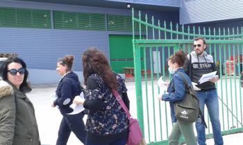 Συμβολική παρέμβαση έξω από το ΙΚΑ Βέροιας