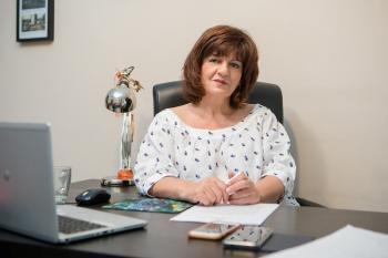Φρόσω Καρασαρλίδου : «Άμεση στήριξη σε επαγγελματίες Τουρισμού, Ημαθίας και Πέλλας, πριν βάλουν λουκέτο»
