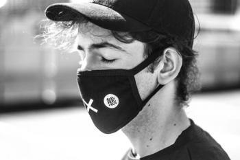 Μας προστατεύουν στην πραγματικότητα οι πάνινες μάσκες;