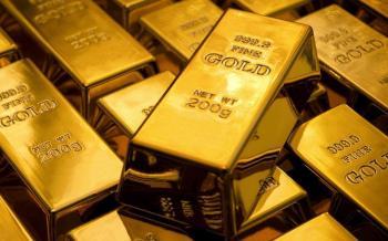 Χρυσός με...πετραχήλια!
