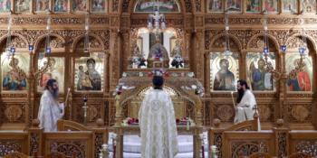 Ανοίγουν οι εκκλησίες: Ολα τα νέα μέτρα για τη Θεία Λειτουργία, τους γάμους, τις βαπτίσεις και τις αποστάσεις -Η νέα ΚΥΑ