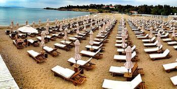 Επίσημο: Ανοίγουν το Σαββατοκύριακο οι οργανωμένες παραλίες – Έτσι θα λειτουργούν