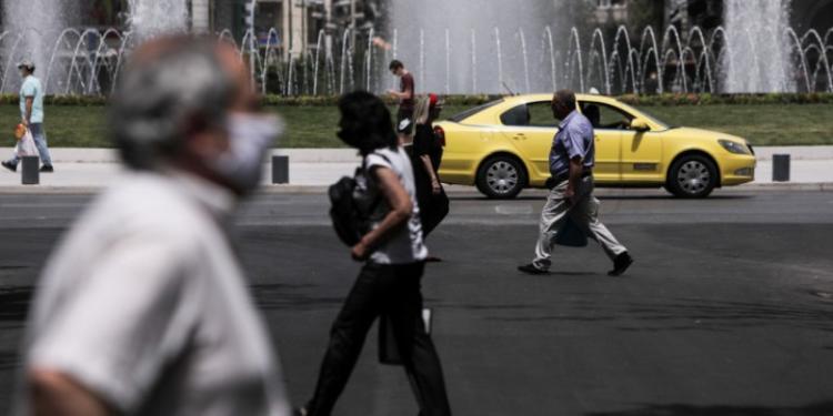Ολοταχώς για δραστική μείωση ασφαλιστικών εισφορών -Οσα προανήγγειλε ο Κυριάκος Μητσοτάκης