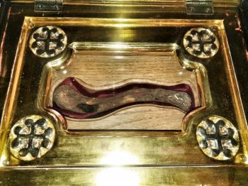 Μυρόβλησε το λείψανο του Αγίου Λουκά του Ιατρού στη Δοβρά