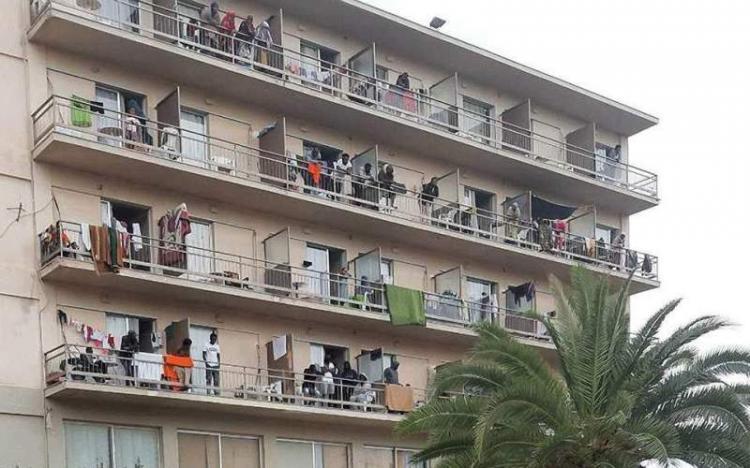 Ν. Μηταράκης: Κλείνουν 60 δομές φιλοξενίας που λειτουργούν σε ξενοδοχειακές μονάδες