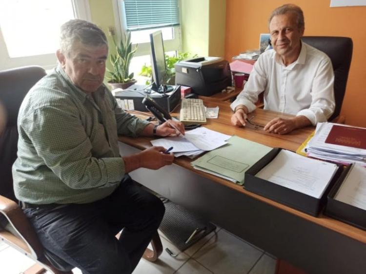 Ξεκινούν εργασίες συντήρησης κοινόχρηστων χώρων στις Δ.Ε. Βεργίνας και Μακεδονίδας  -Υπογράφτηκαν οι σχετικές συμβάσεις από τον Αντιδήμαρχο Τεχνικών Βεροιας