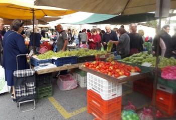 «Φουλάρισε» η λαϊκή αγορά!