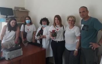 Με το σύνθημα «Όλοι μαζί μπορούμε, δεν δίνουμε φιλιά, δίνουμε όμως αίμα» πολλοί αιμοδότες ανταποκρίθηκαν στο κάλεσμα του Συλλόγου Εθελοντών Αιμοδοτών Ν. Νικομήδειας
