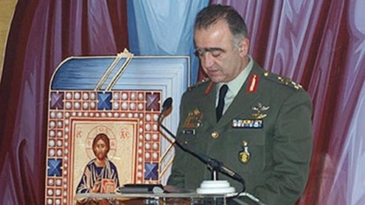 Στρατηγός Ρουσάκης στο Ράδιο Αιχμή-102,8 : «Το 2011 η στρατιωτική ηγεσία δέχτηκε πογκρόμ διώξεων από την κυβέρνηση Παπανδρέου»