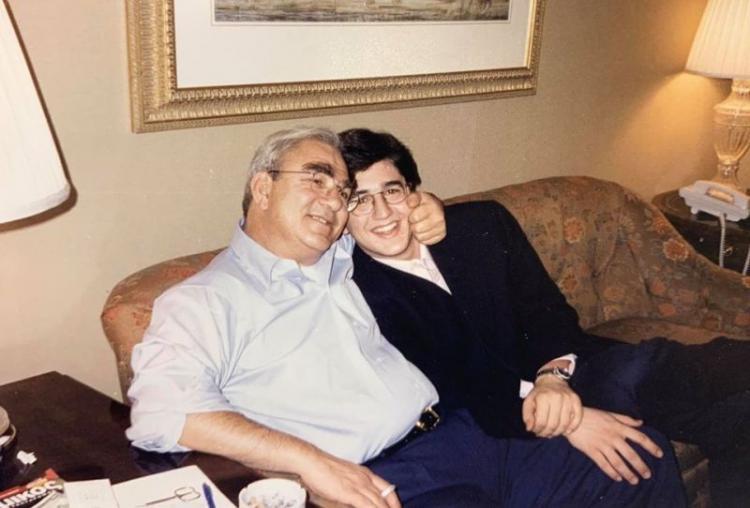 Οι αναμνήσεις του Απόστολου για τον πατέρα του, Γιώργο!