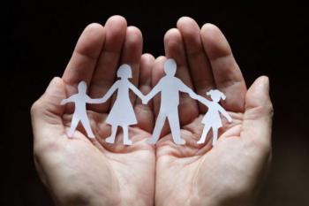 ΟΠΕΚΑ : Άνοιξε η πλατφόρμα για το επίδομα παιδιού