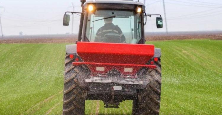 Σε διαβούλευση η εξαίρεση καταβολής τέλους επιτηδεύματος από αγρότες