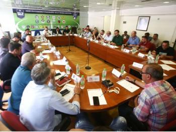 S.L.2 και Football League : Τροποποίησε το καταστατικό της