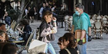 Κορωνοϊός: «Καμπάνα κινδύνου και όχι καμπανάκι» για τα φαινόμενα χαλάρωσης -Ξεκινούν εκτεταμένοι έλεγχοι