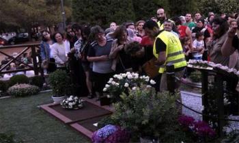 Χιλιάδες πιστοί προσκύνησαν τον τάφο του Αγίου Παϊσίου στο μοναστήρι του, στη Σουρωτή