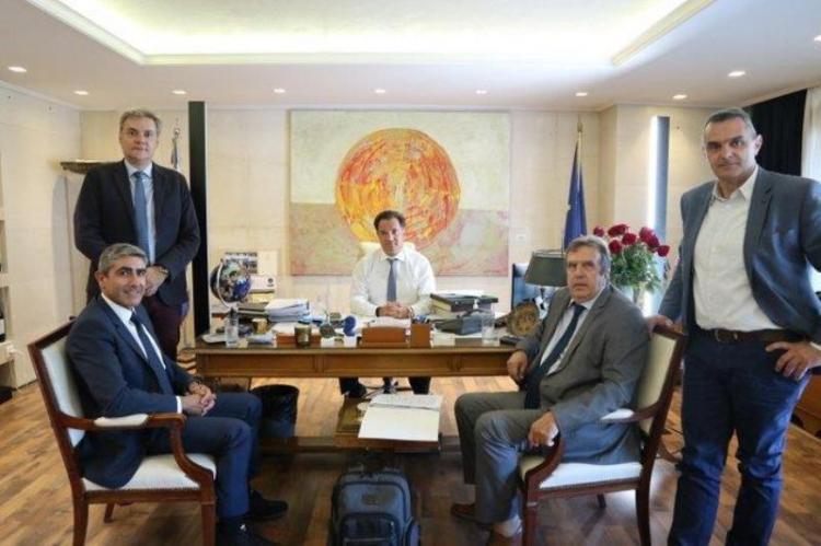 Δεσμεύσεις της κυβέρνησης για τον εμπορικό κόσμο στη συνάντηση της ΕΣΕΕ με τον Υπουργό Ανάπτυξης και Επενδύσεων κ. Άδωνη Γεωργιάδη