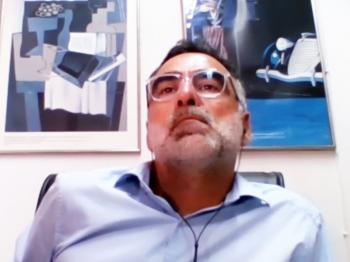 Μαθήματα διεύθυνσης δημοτικών συνεδριάσεων από τον Άρη Λαζαρίδη