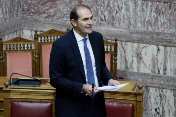 Νομοσχέδιο νέων φορολογικών ελαφρύνσεων προανήγγειλε ο Βεσυρόπουλος