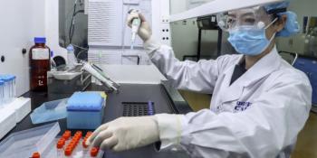 Κορωνοϊός, Εμβόλιο Οξφόρδης: Ενθαρρυντικά τα πρώτα νέα, παράγει αντισώματα -Ολα όσα ανακοινώθηκαν