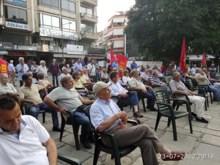 Συγκέντρωση του ΚΚΕ για τις πολιτικές εξελίξεις πραγματοποιήθηκε στη Νάουσα