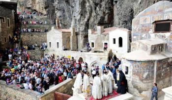 Προκλήσεις από τους Τούρκους και στην ιστορική μονή της Παναγίας Σουμελά στην Τραπεζούντα του Πόντου