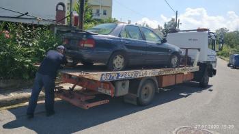 Περισυλλογή εγκαταλελειμμένων οχημάτων από τη Δημοτική Αστυνομία Βέροιας