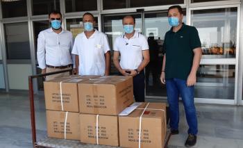 10.000 προστατευτικές μάσκες προσφορά από την εταιρεία Παπαστράτος στο Νοσοκομείο Βέροιας