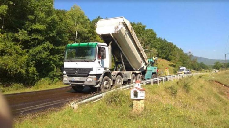 Επισκευές στο δρόμο Βέροιας- Σελίου από την Περιφερειακή Ενότητα Ημαθίας