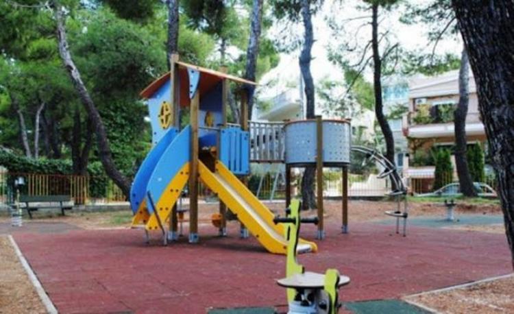 Υπογράφτηκε η σύμβαση για την τοποθέτηση νέων οργάνων σε παιδικές χαρές του Δήμου Αλεξάνδρειας