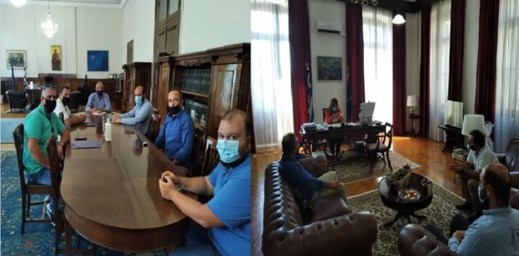 Τη Διευθύντρια του γραφείου του Πρωθυπουργού στη Θεσ/νίκη και τον υφ. Μακεδονίας - Θράκης επισκέφτηκαν οι ροδακινοπαραγωγοί Ημαθίας και Πέλλας