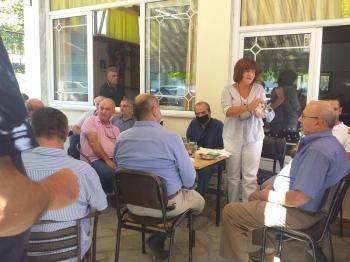 Φρόσω Καρασαρλίδου και αντιπροσωπεία του ΣΥΡΙΖΑ στα Ριζώματα για το θέμα με τους κτηματολογικούς πίνακες
