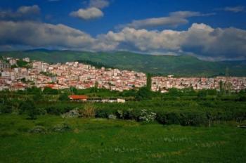 Ημαθία. Ένας αρχαίος τόπος με πάνω από 2.500 χρόνια ιστορία. Τόπος πλούσιος με μεγάλες πεδιάδες και τεράστια ιστορική σημασία.