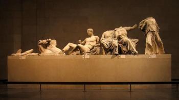 Και άλλες φωνές από το εξωτερικό υποστηρίζουν την επιστροφή από το βρετανικό μουσείο στη Ελλάδα των κλεμμένων γλυπτών του Παρθενώνα