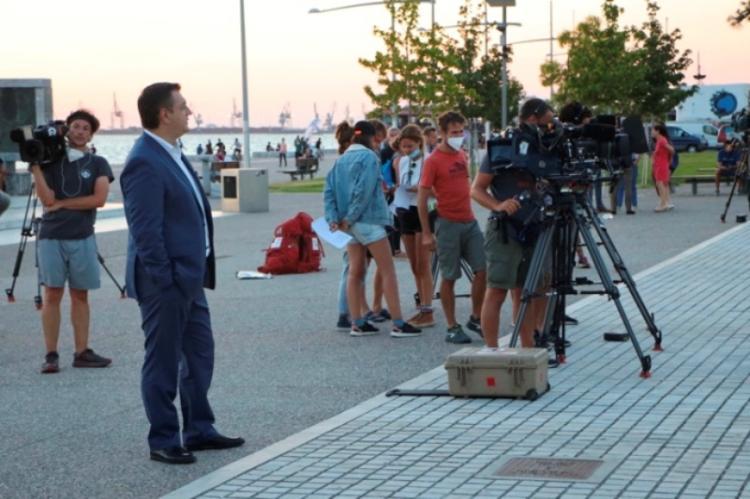 Ο Περιφερειάρχης Κ.Μακεδονίας Απ.Τζιτζικώστας σε γυρίσματα μεγάλου γαλλοβελγικού τηλεπαιχνιδιού στη Θεσ/νίκη που γυρίστηκε με την υποστήριξη του Film Office της ΠΚΜ