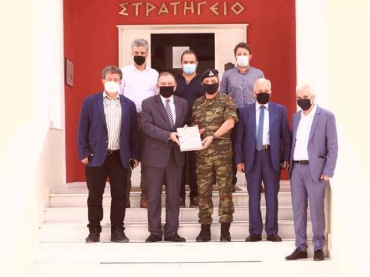Υγειονομικό υλικό και μέσα ατομικής προστασίας παρέδωσε η ΠΕΔΚΜ στους στρατιώτες που φυλούν τα σύνορά μας στον Έβρο