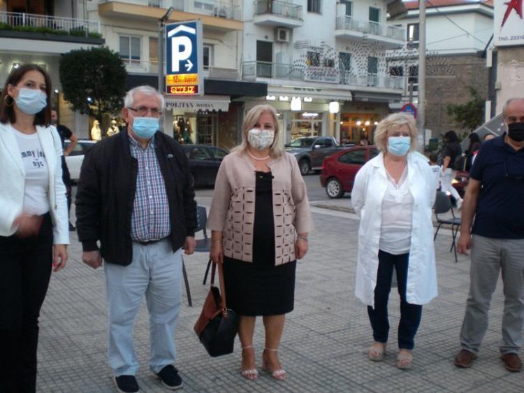 Μέτρα πρόληψης και Υγιεινή του sars- cov2 : Ενημερωτική δράση χθες στην πλατεία Δημαρχείου Βέροιας