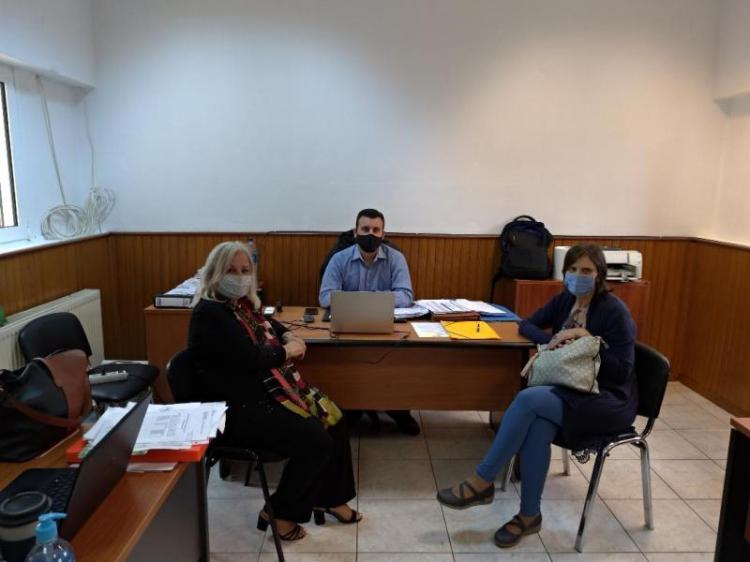 Επίσκεψη της Γ. Μπατσαρά στη δομή φιλοξενίας προσφύγων στο στρατόπεδο «Αρματωλού Κόκκινου»