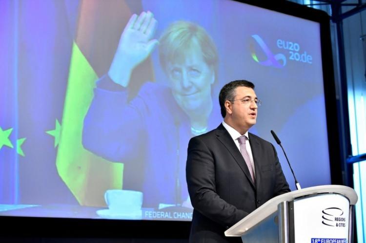 Συνάντηση του Προέδρου της Ευρωπαϊκής Επιτροπής των Περιφερειών Απ.Τζιτζικώστα με την Καγκελάριο της Γερμανίας Angela Merkel