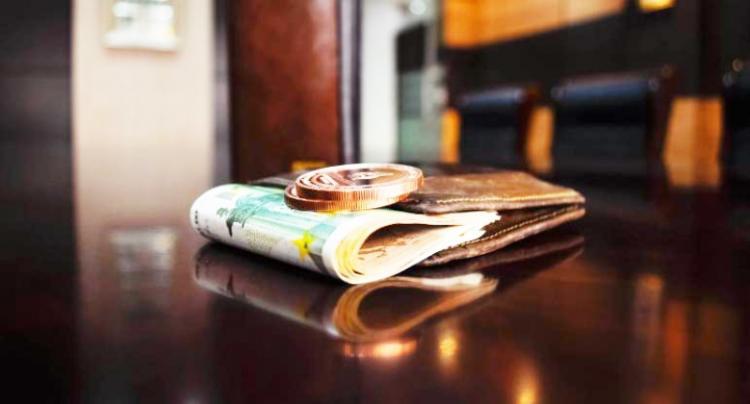 Αυξημένο επίδομα 800 ευρώ αντί 534 σε όσους τεθούν σε αναστολή εργασίας τον Νοέμβριο