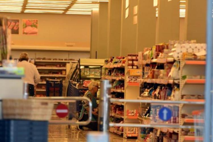Lockdown-σούπερ μάρκετ: Σενάριο απαγόρευσης πώλησης διαρκών αγαθών όσο κρατά η καραντίνα