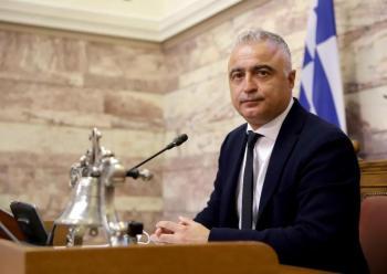 Άρση της προϋπόθεσης της μη κατάθεσης πινακίδων κυκλοφορίας για την αποζημίωση των τουριστικών γραφείων και τουριστικών επιχειρήσεων οδικών μεταφορών ζητά ο Λ.Τσαβδαρίδης