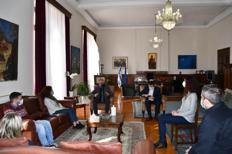 Θ. Καράογλου : «Φωτεινό παράδειγμα προσφοράς το νοσηλευτικό προσωπικό που ήρθε στη Θεσσαλονίκη για να στηρίξει εθελοντικά το Ε.Σ.Υ.»