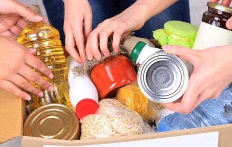 Η Φιλόπτωχος συγκεντρώνει τρόφιμα για ευάλωτες οικογένειες
