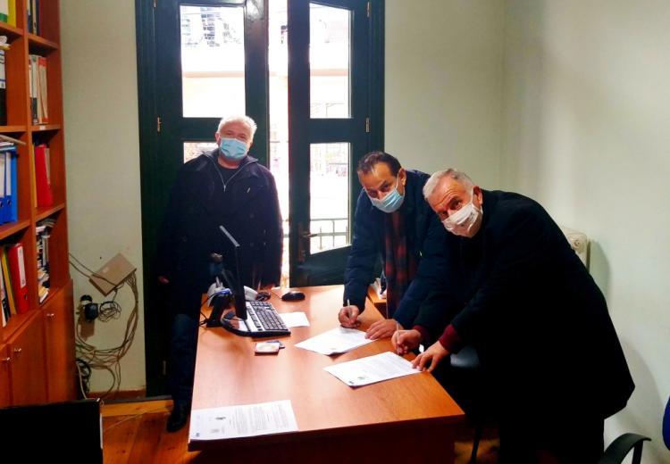 Υπεγράφησαν οι συμβάσεις για την ενεργειακή αναβάθμιση του Γυμνασίου Κοπανού και του Δημοτικού Θεάτρου - Πολιτιστικού Κέντρου Νάουσας
