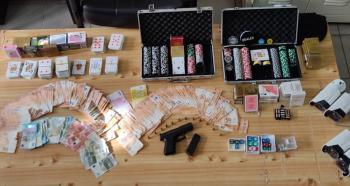 Παράνομο «μίνι καζίνο» σε κατάστημα σε απομακρυσμένη περιοχή στην Ημαθία, 24 συλλήψεις