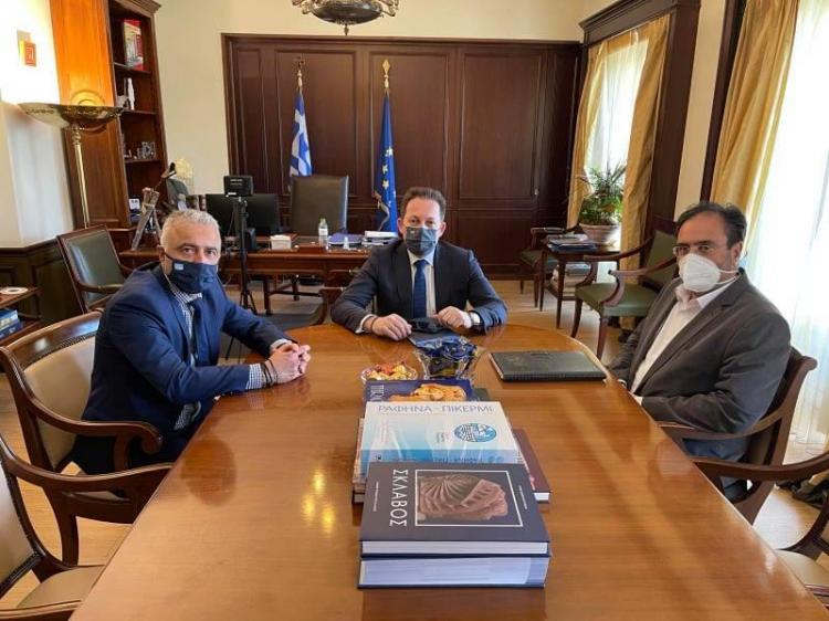 Συνάντηση Πέτσα-Βοργιαζίδη στην Αθήνα για θέματα του Δήμου Βέροιας - Παρουσία του βουλευτή Ημαθίας, Λ.Τσαβδαρίδη
