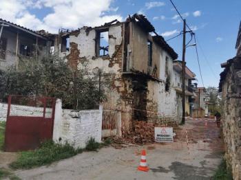 Φωτιά σε ακατοίκητο σπίτι στη Βέροια