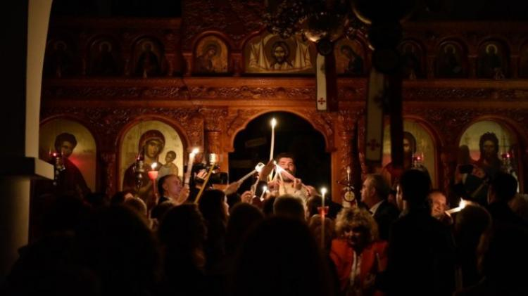 Πάσχα : Οι τελικές αποφάσεις της Εκκλησίας – Πώς θα γίνει η λειτουργία το βράδυ του Μ. Σαββάτου