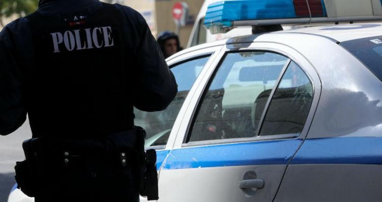 Συνελήφθησαν στην Ημαθία 5 άτομα για κλοπή οχήματος και απόπειρα παραβίασης καταστήματος