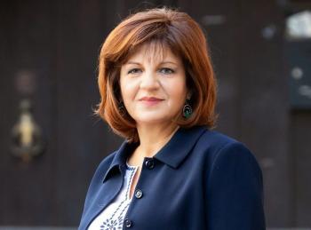 Φρόσω Καρασαρλίδου : «Χιλιάδες μικρές επιχειρήσεις εκτός επιχορήγησης από τα προγράμματα των Περιφερειών για την πανδημία»